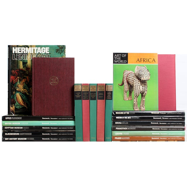 World & Art Museums Books - S/19 - Image 1 of 2
