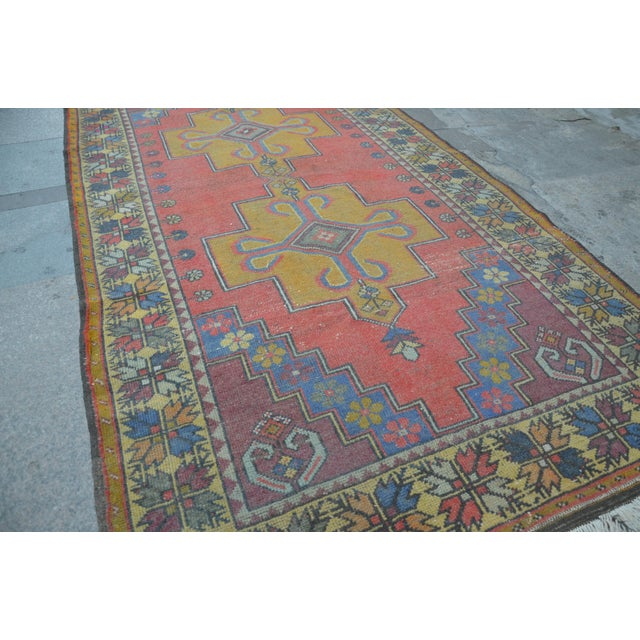 Turkish Handwoven Wool Rug - 4′7″ × 8′7″ - Image 4 of 6