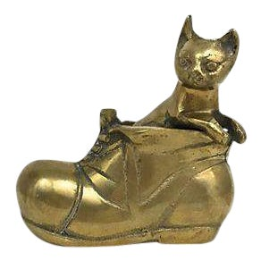 Brass Cat Peeking Out Shoe Figurine