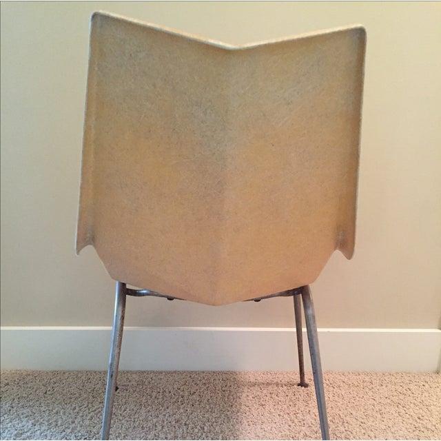 Paul McCobb Origami Fiberglass Chair - Image 5 of 9