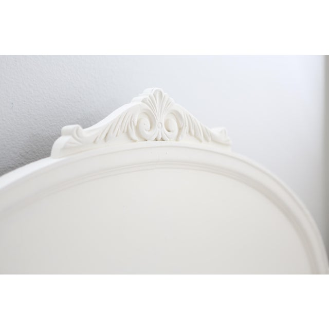Huntley Furniture Twin Bed Shabby Chic French Provincial Vintage - Image 3 of 7