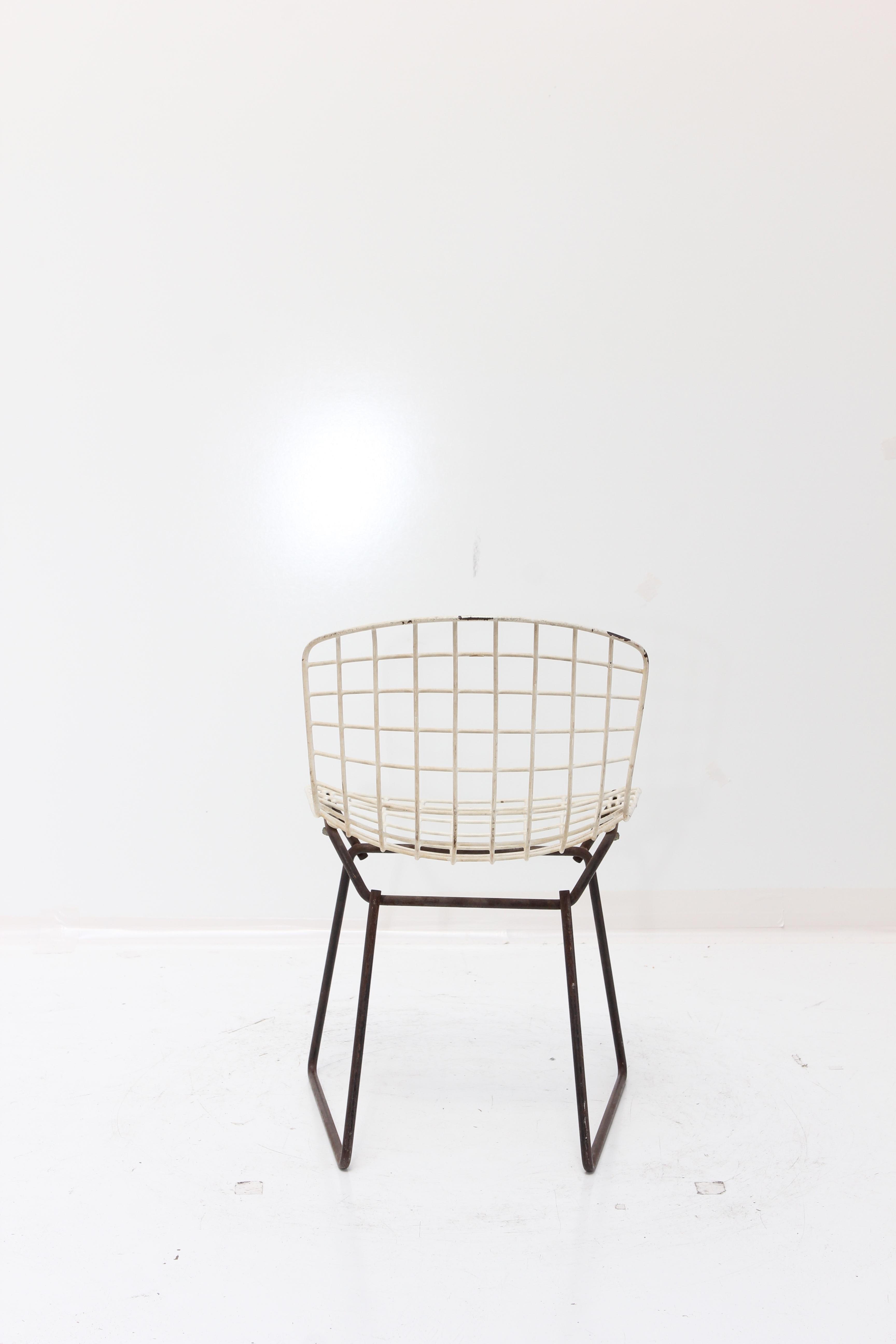 Knoll Bertoia Child Size Chair Black/White   Image 4 Of 11