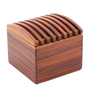 EXOTIC WOOD BOX WITH RIBBED LID BY JERRY MADRIGALE, CIRCA 1980S