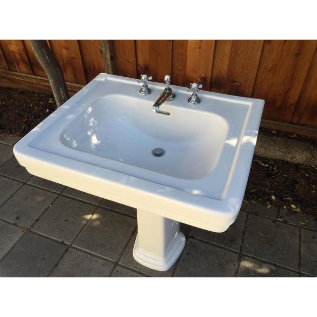 Traditional Toto Promenade Pedestal Sink - Image 4 of 5
