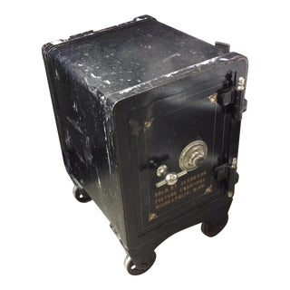 Industrial Functioning Yale Antique Safe