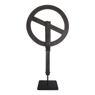Cast Iron Traveler's Measuring Tool