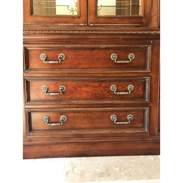 Hickory White Legends China Cabinet - Image 8 of 10