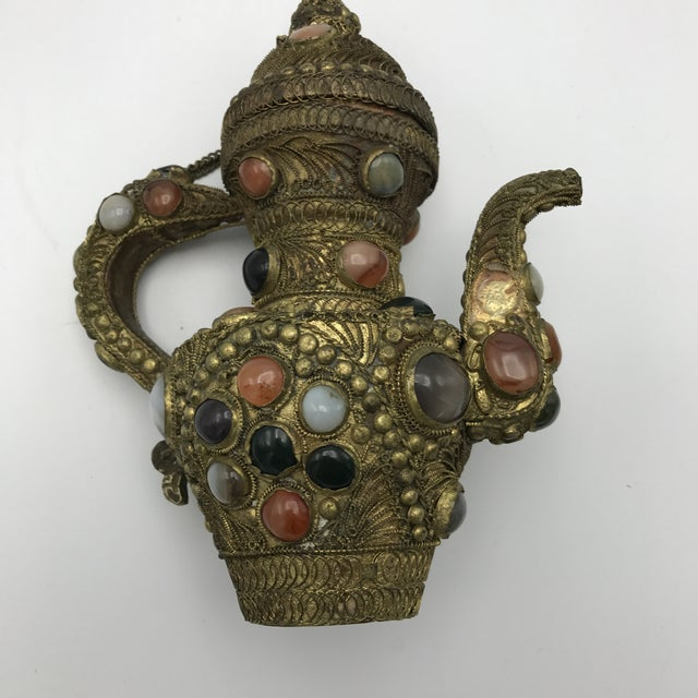 Antique 19th Century Tibetan Copper and Gold Filigree Flagon With Polished Agate Gemstones - Image 4 of 10