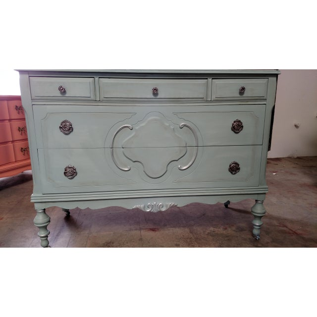 Refinished Vintage French Provincial Dresser - Image 4 of 6