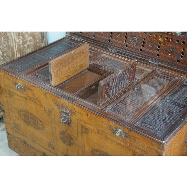 Vintage Jewelry Trunk - Image 6 of 9