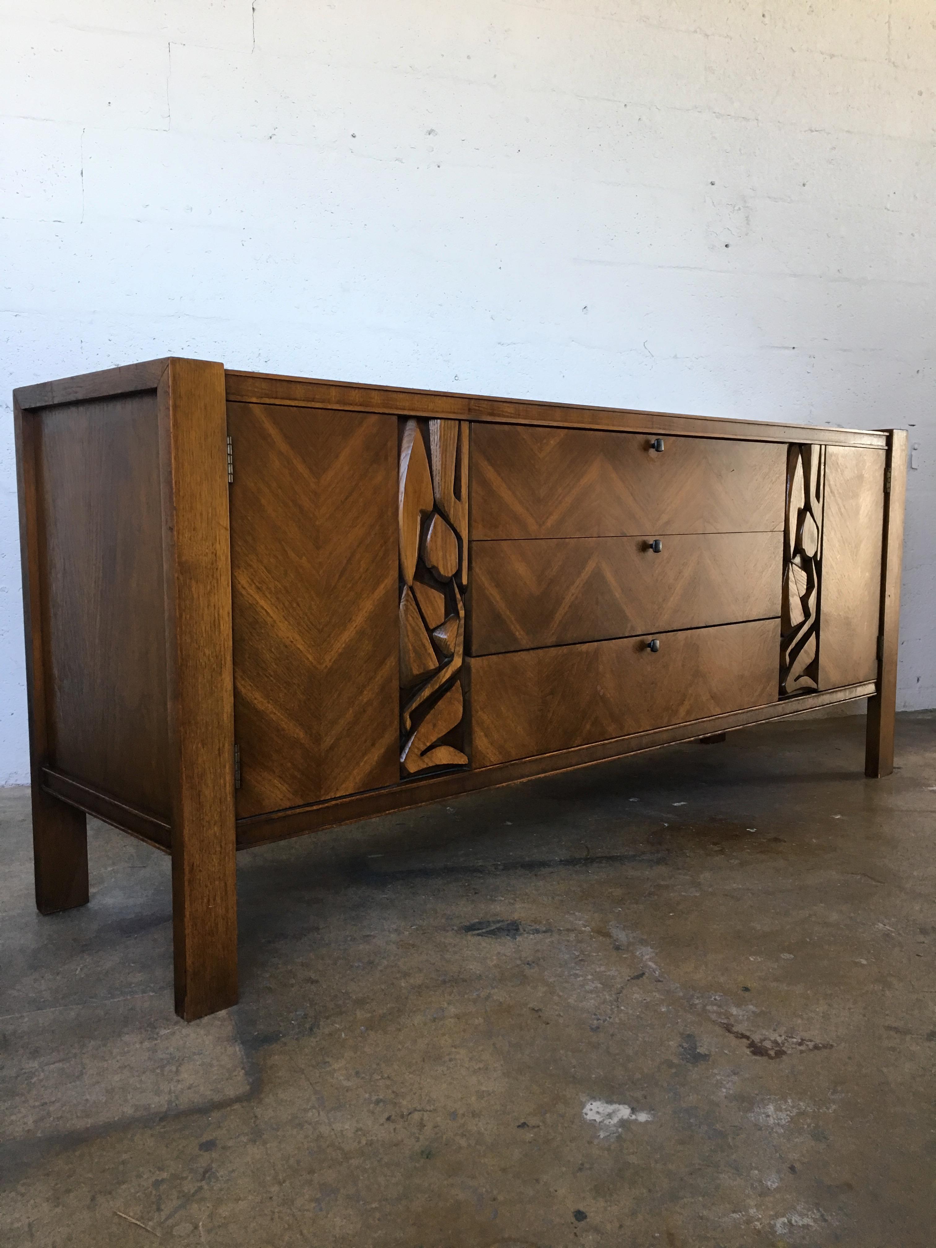 Vintage United Furniture Mid Century Modern Brutalist Credenza   Image 2 Of  11