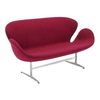 Original Arne Jacobsen Swan Sofa Settee, Fritz Hansen, Denmark, Excellent