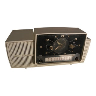 General Electric Vintage Art Deco 1950's-60's Tube Clock Radio
