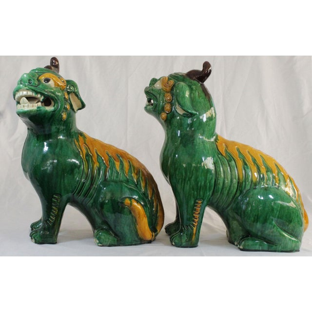 Pair of Famille Verte Foo Dogs - Image 4 of 10