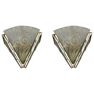 """""""Degue"""" French Art Deco Wall Sconces - A Pair"""