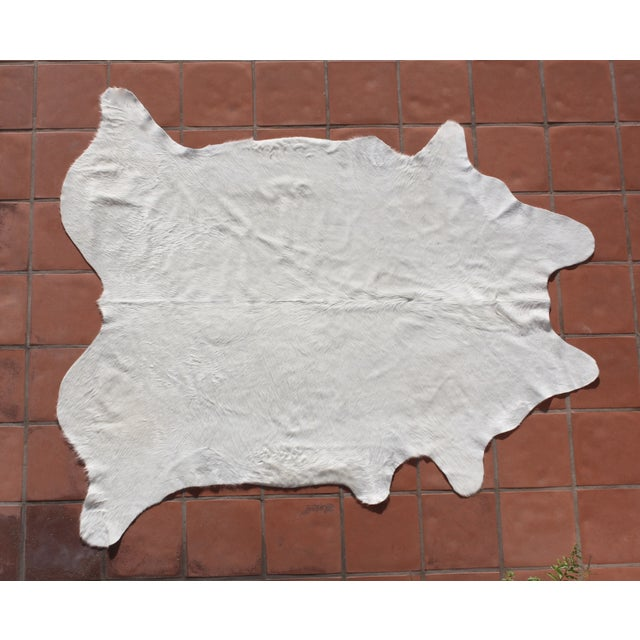 """Image of Natural White Brazilian Cowhide - 6'4"""" X 7'5"""""""
