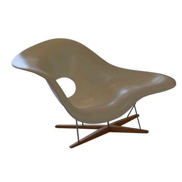 authentic eames la chaise produced by vitra chairish. Black Bedroom Furniture Sets. Home Design Ideas