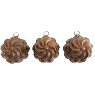 Vintage Small Copper Round Kitchen Molds - Set of 3