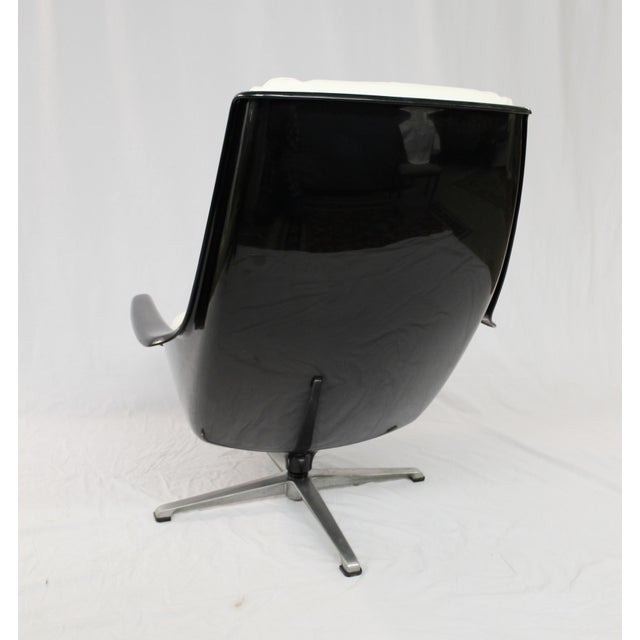 Image of Mid-Century Molded Resin Plastic Chair