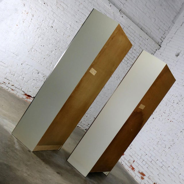 Mid Century Modern White Laminate Wall Unit Bookcase Display Cabinets, a Pair - Image 6 of 11