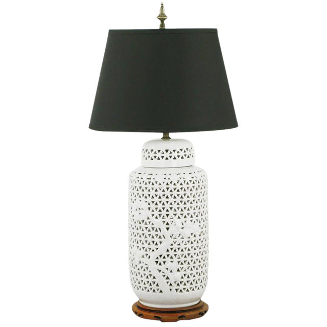 Exceptional blanc de chine reticulated ceramic table lamp for Table de chine