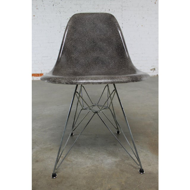 vintage mid century modern gray herman miller eames dsr. Black Bedroom Furniture Sets. Home Design Ideas