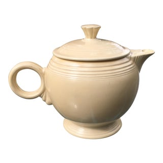 Large Vintage Fiesta Tea Pot
