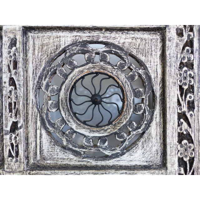 Gray 4-Panel Carved Screen with Iron - Image 5 of 8