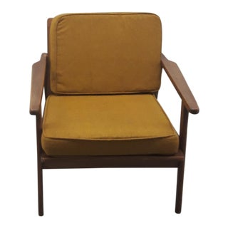 Mid-Century Modern Chair.