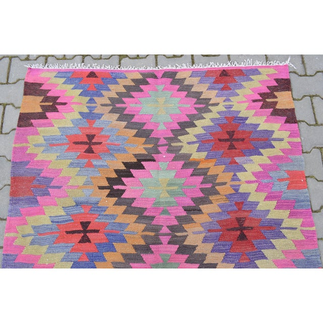 Hand-Woven Turkish Diamond Kilim Rug - 4′7″ × 6′4″ - Image 7 of 9