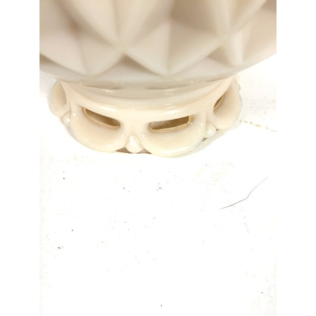Image of Alladin Alacite Illuminated Ivory Lamp