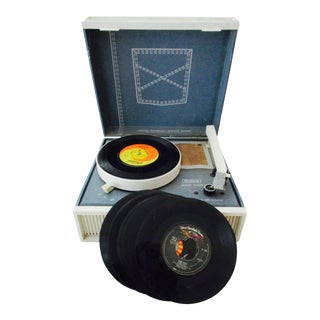 Vintage Mod Record Player & 6 Records