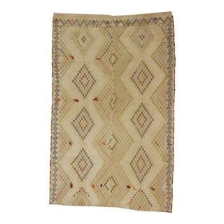 Vintage Embroidered Turkish Kilim Rug - 5′1″ × 7′10″