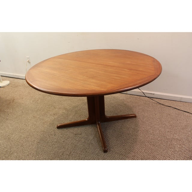 mid century danish modern teak round dining table chairish. Black Bedroom Furniture Sets. Home Design Ideas