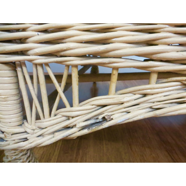 Vintage Wicker Rattan Daybed by Bar Harbor - Image 6 of 8