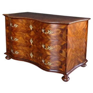 A Handsome and Good Quality German Baroque Serpentine-Form Parquetry and Walnut-Veneered 3-Drawer Chest