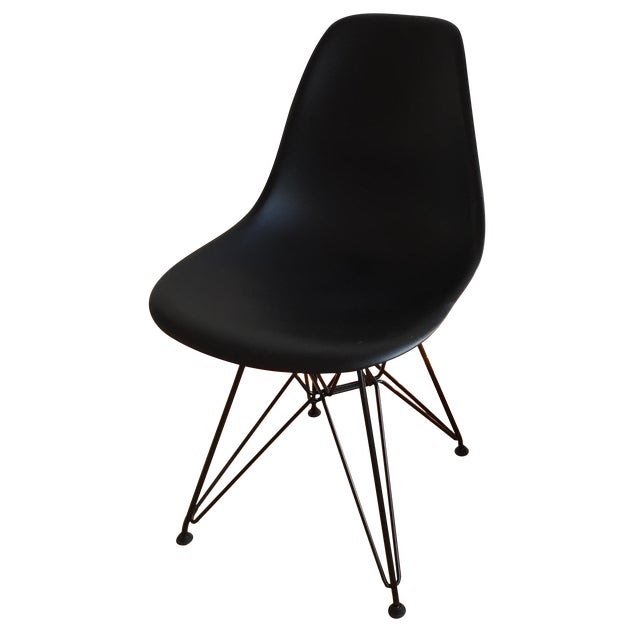 black eames dwr molded plastic dsr side chair chairish. Black Bedroom Furniture Sets. Home Design Ideas