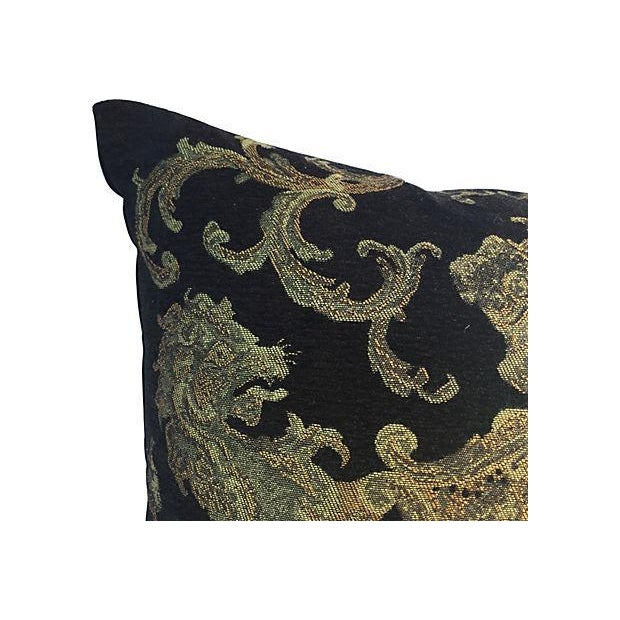English Coat of Arms Pillow - Image 2 of 5