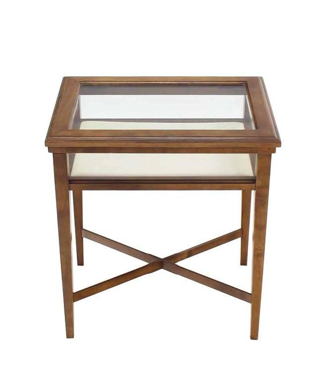 Small Lift Top End Table Display Case   Image 3 Of 8