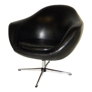 Overman Mid-Century Modern Black Vinyl Pod Chair