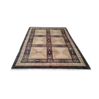 Modern Hand Made Knotted Rug - 5′5″ × 8′5″