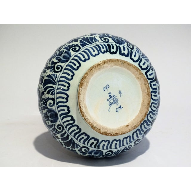 Large Dutch Delft Vase - Image 7 of 7