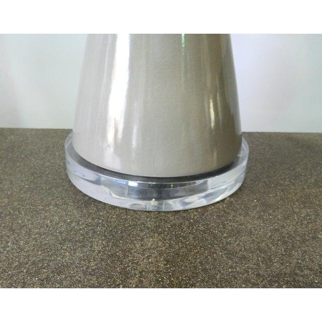 Modern Gray Porcelain Table Lamp on Acrylic Base - Image 4 of 7
