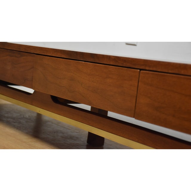American of Martinsville Low Table Tv Console - Image 6 of 9