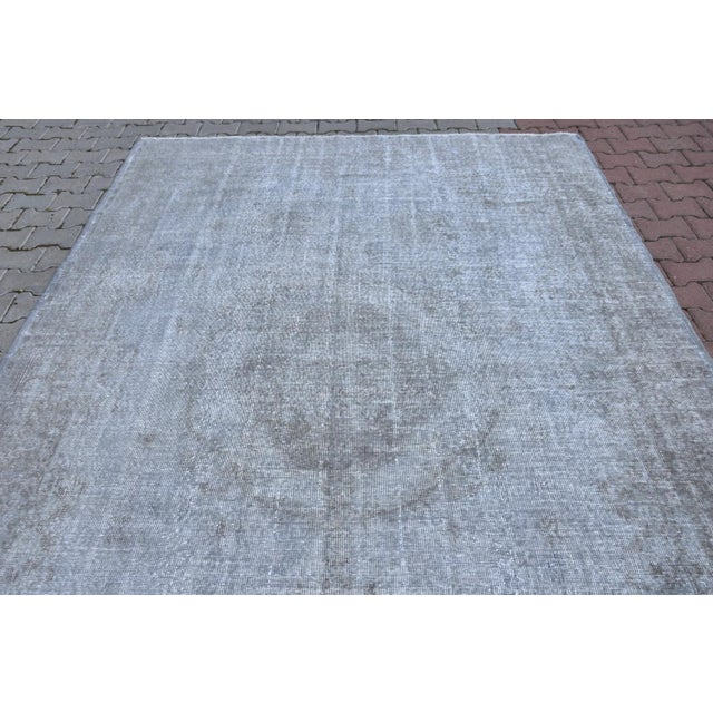 Vintage Distressed Silver Gray Handmade Turkish Oushak Rug - 7′2″ × 10′8″ - Image 4 of 6