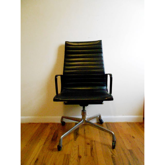 herman miller eames aluminum group executive chair chairish