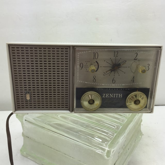 Zenith Sleep Switch AM FM Clock Radio - Image 2 of 11