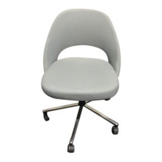 Knoll Saarinen Side Chair With Casters