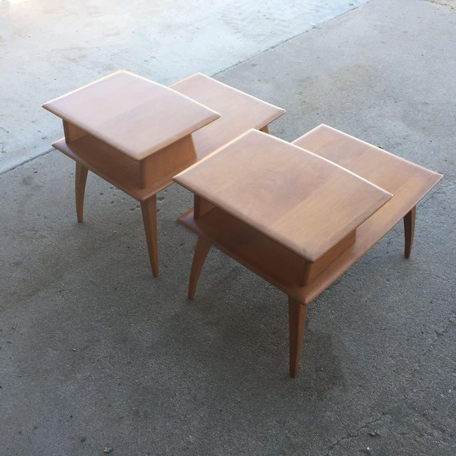 Pair of Heywood-Wakefield Champagne Blonde Saber Leg Side Tables - Image 4 of 11
