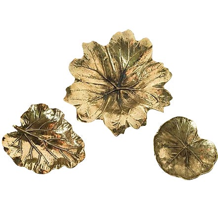 Image of Virginia Metalcrafters Leaf Trays - Set of 3